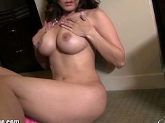 New video from the sexy voluptuous Sunny Leone wearing skimpy pink stripping it off revealing her huge firm boobies, lovely sexy figure and fresh trimmed snatch.