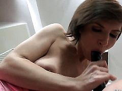Lucy Heart takes Nina Clark s fingers in her love box