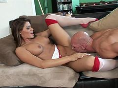 Madelyn Marie fucks with Johnny Sins