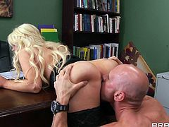 Alexis Ford gets a mouthful of sum after being fucked