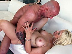 Witness this video where a blonde pornstar, with a curvy body wearing panties, goes hardcore hardcore with a tattooed dude outdoors.