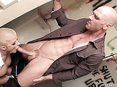 Johnny Sins drills fuck hungry Joslyn Jamess mouth just like mad