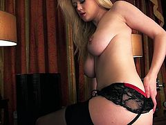 Stunning Brook makes a solo show in an old style office. This hot chick poses in sexy lace lingerie and also fingers her bald pussy lying on a couch.