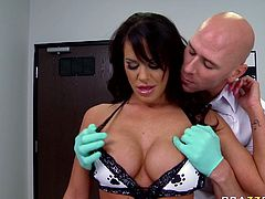 Slutty and horny babe with nice ass gets her big tits squeezed by the bald guy. Have a look at his chick in Brazzers Network sex video.
