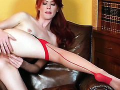 Elle Alexandra with tiny boobs and hairless twat fills the hole between her legs with toy