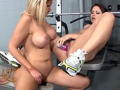 Back haired chubby beauty Kaci Starr fucks tight wet snatch of busty blondie Brooklyn Bailey with big dildo. Then Kaci takes her girlfriend's place getting her tight hairy snatch banged by that sex toy.