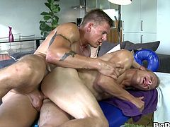 This hot massage doesn't end with just a rubdown. These two guys end up fucking hard on the table then shooting cum all over each other.