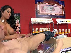 Hot brunette mommy with sexy tight boobs and nice ass presents wondrous deep throat to that brutal stud in sex studio. You can enjoy it in Brazzers Network sex video!