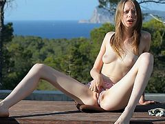 Skinny with small boobs and a nice ass, Gloria sure knows how to provide lusty masturbation scenes in outdoor