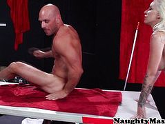 Stevie Shae and a masseur switch places