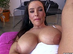 Smoking hot milf Lisa Ann with huge boobs gets her asshole fucked with glass dildo right in front of the camera in closeup before she takes dudes fat hard dick in her experienced mouth.