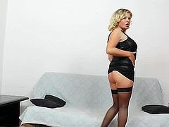 Golden milf in black stockings, Kathy Sweet, amazes with her rough cunt stimulation solo event on cam