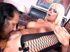 Busty blonde mom Jordan Blue shows her twat to Ron Jeremy and lets him lick it. Then Jordan pleases Ron with a blowjob and they have some nasty banging in the missionary position.