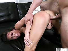 Lizz Tayler and her hard dicked bang buddy both enjoy blowjob session