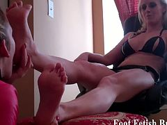 Foot Fetish Brats brings you a hell of a free porn video where you can see how some very sensual belles are ready to lick their feet while assuming wild poses.