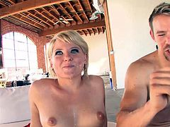 Check out this hardcore scene where the slutty blonde Casey Cumz ends up with her pretty face creamed by this guy after being fucked.