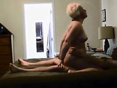 Amateur milf getting fucked on real hidden cam