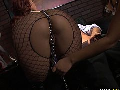 Hard and steamy FFM sex with hot lusty babe Jynx Maze in night club