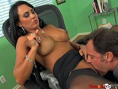 Busty office whore Mariah Milano gives her colleague a nice blowjob