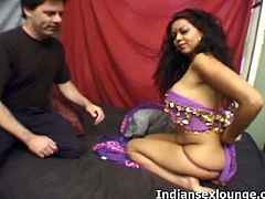 Indian Sex Lounge brings you a hell of a free porn video where you can see how this Indian brunette blows her man's hard cock while assuming very naughty poses.