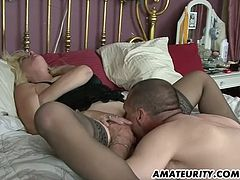 A naughty blonde amateur Milf homemade hardcore action with creampie cumshot !