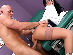 Amber Cox needs nothing but Johnny Sinss hard dick in her love tunnel to be happy
