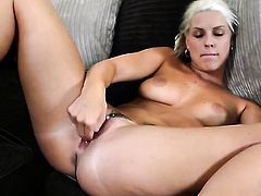 Blanche Bradburry wants this solo sex session to last forever