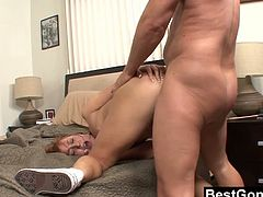 Big ass slut Charlie Ann is ready to blow cock like crazy and this dude knows that well. Watch as she makes his meat hard as a rock and takes a huge facial.