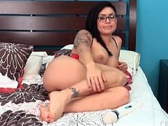 Big breasts Eva Angelina fucks her favorite toys