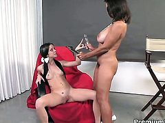 Persia Monir needs nothing but Bonnie Skyes sweet lesbian twat to lick to get orgasm