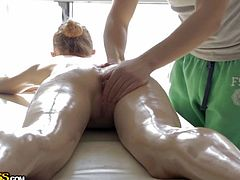 Beautiful blonde adore to receive a relaxing massage from a pro masseur. And she has the right. Just look at that amazing body. So fresh and oiled with a sweet pussy and tight pink asshole. She deserves those goodies stimulated. Good decision from the masseur to play a little bit with her ass and cunt. Now she is horny and ready to return the favor.