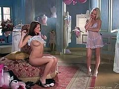 Splendid Sandra Shine And Jana Oujeska Have Lesbian Sex