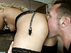 Blonde has some sex fantasies to be fulfilled with hot bang buddy