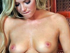 Niki Young strips down to her bare skin for your viewing pleasure