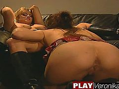 No man's land 33 Holly Hollywood Sindee Coxx; Blonde, Brunette, Lesbian, Masturbation, Mature,One on One, Oral Sex, Sex Toys