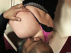 Kid Jamaica is one hard-dicked guy who loves screwing Enchanting vixen Anabell in her backdoor