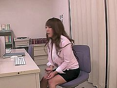 Hitomi Tanaka gets a a little