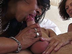Sophia, India Threesome