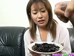 Wierd Japan brings you a hell of a free porn video where you can see how the alluring brunette Ayumi Nakura eats and provokes her man while assuming sexy poses.