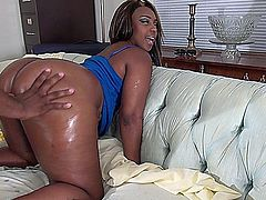 Sexy Ky a Texas Native with a crazy thick frame 5ft2 170 pounds of thunder her ass is so round and juicy the boys in the hood bow down when she walks around with her 48 super butt and she know how to switch it better than anyone in Texas that is a fact just watch her.