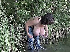 MV HUGE BOOBS TAKING BATH IN THE POND