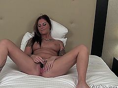 Sexual chesty amateur minx Bella pleasing her pussy with vibrator