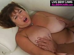 Mature BBW fucked in her beautiful pussy