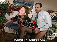 Mima is a young waitress and Ferdinand is an older customer who seems to benefit of all inclusive services since Mima wants him to screw her moist cunt hole.