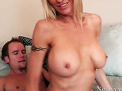 Sonny Hicks gets pleasure from fucking Saucy oriental sweetie Emma Starr