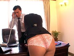 The arrival of an attractive Asian slut in the office is a reason of excitement in the department. Four horny colleagues gather to benefit from her favors. Click to see the slutty babe undressing and exposing her ass without any shame. The atmosphere gets hotter as she gets on knees to suck cocks. Watch!