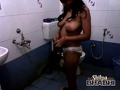 Naughty Indian whore strips naked in the bathroom as she teases us with her dirty moves. She is to lavish you with the tastiest juice ever that we want from her.