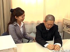 Terrific blowjob scene with helpful Japanese secretary Natsumi Inagaw