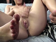 Black freaky macho licks toes of his white bitchy GF Lola Foxx