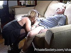 chubby amateur with glasses squirts and gets a good fuck.